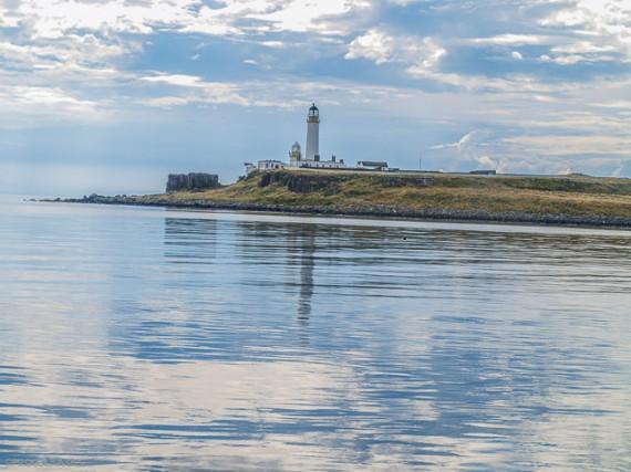 Маяк у берегов Шотландии
